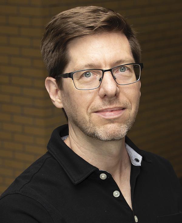 photo of Mark Thomas